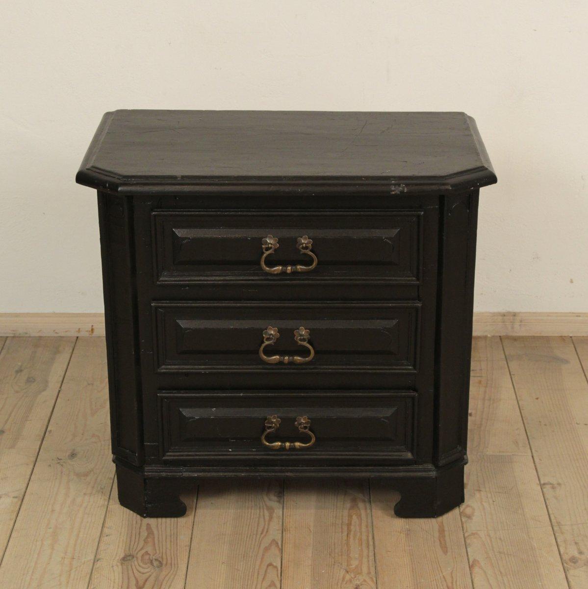 kleine antike schwarz lackierte holzkommode 1810 bei pamono kaufen. Black Bedroom Furniture Sets. Home Design Ideas
