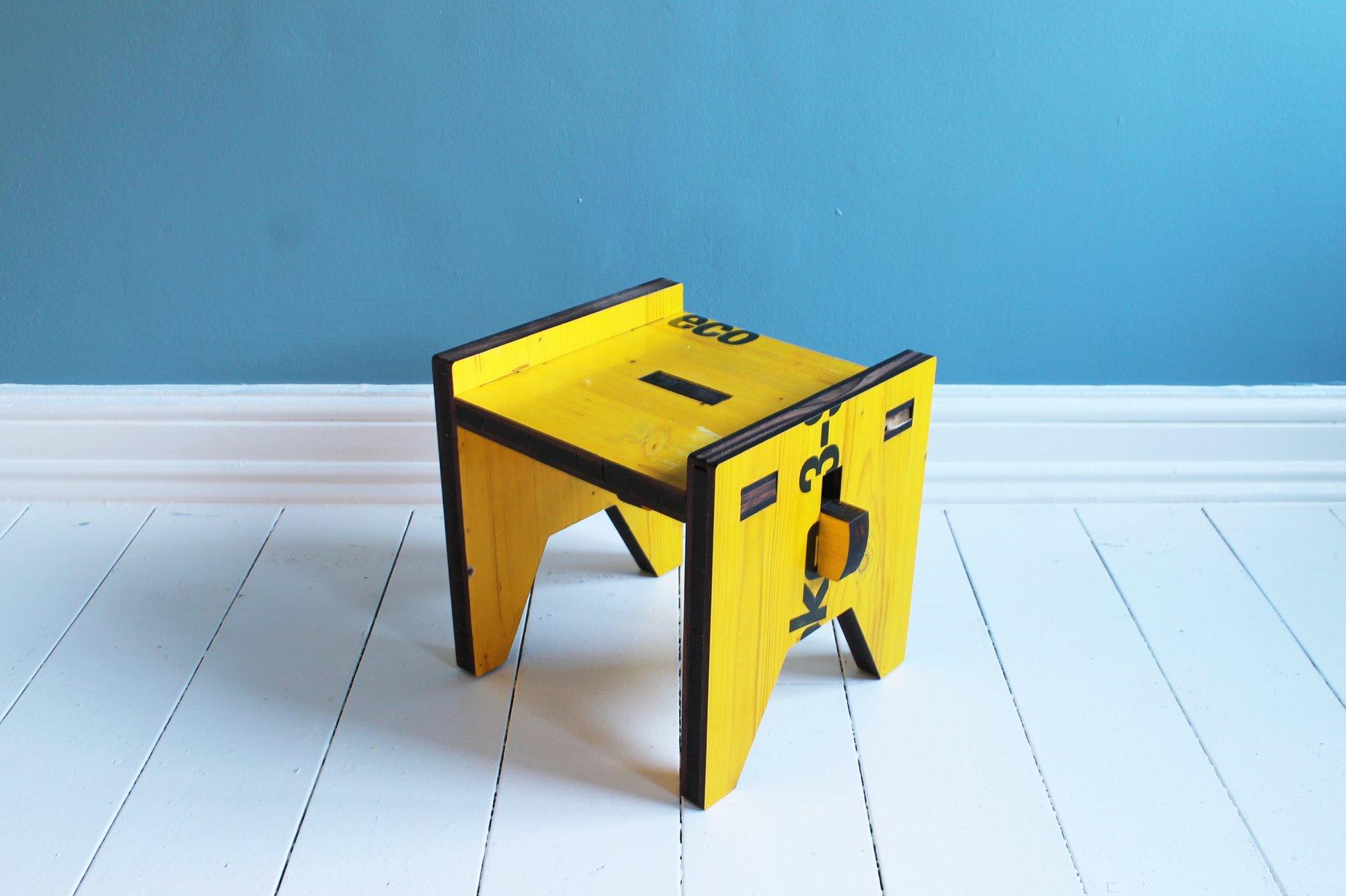 tabouret ou table d 39 appoint bipanc par muzzle design en vente sur pamono. Black Bedroom Furniture Sets. Home Design Ideas