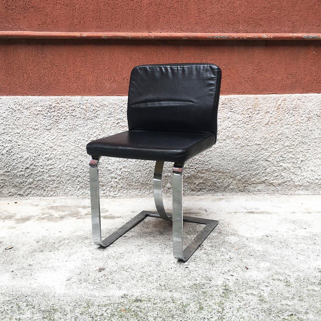 Sedie Mid Century Moderne In Pelle Nera Con Struttura Cromata Italia Anni 70 In Vendita Su Pamono