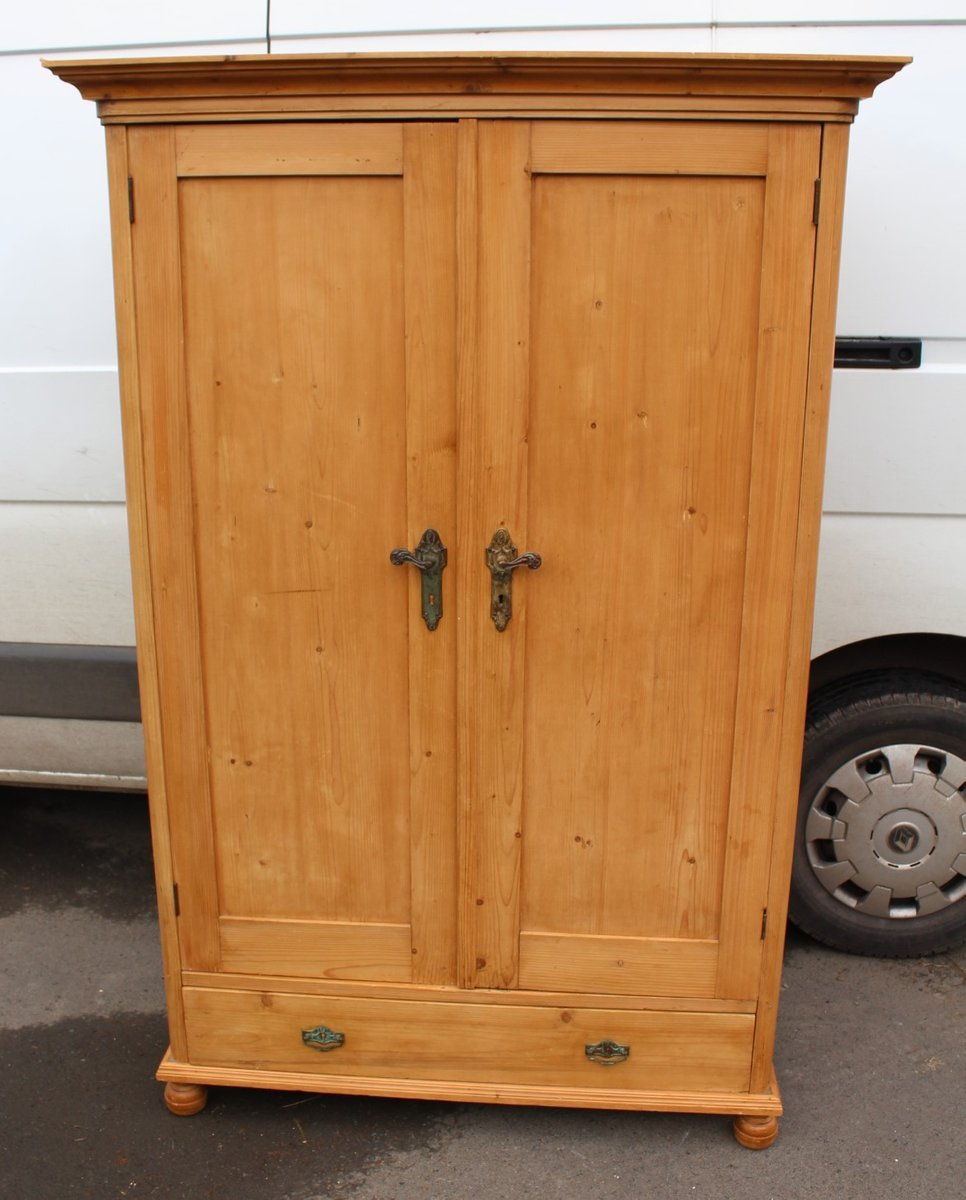 Antique Pine 9 Door Linen Cupboard, 9s
