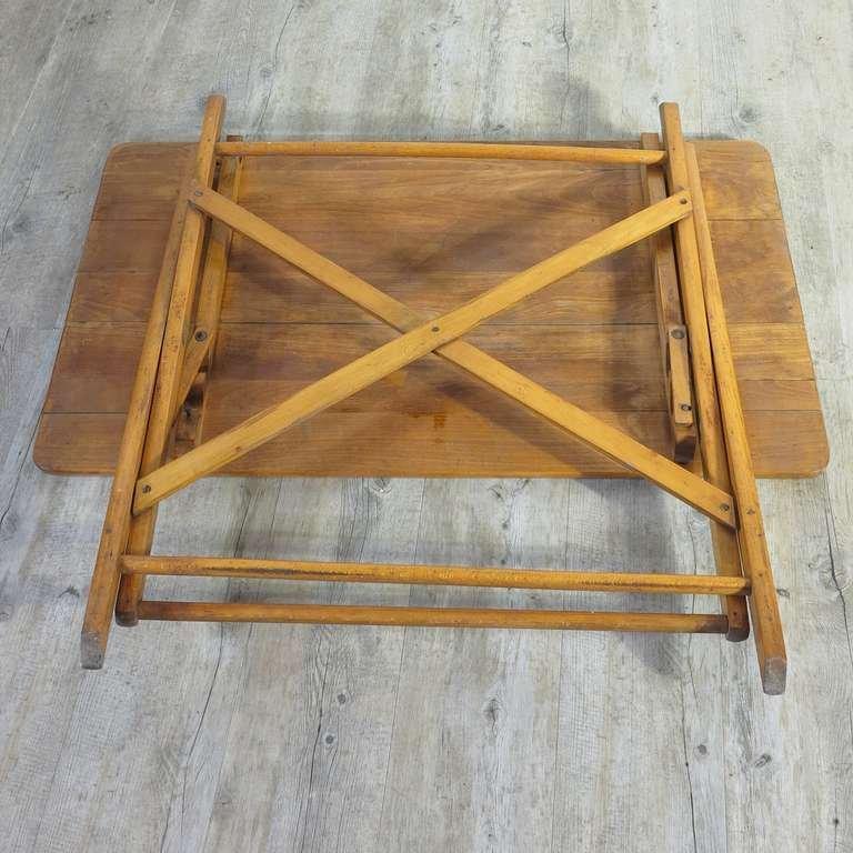 industrieller zusammenklappbarer tisch aus holz 1930er bei pamono kaufen. Black Bedroom Furniture Sets. Home Design Ideas
