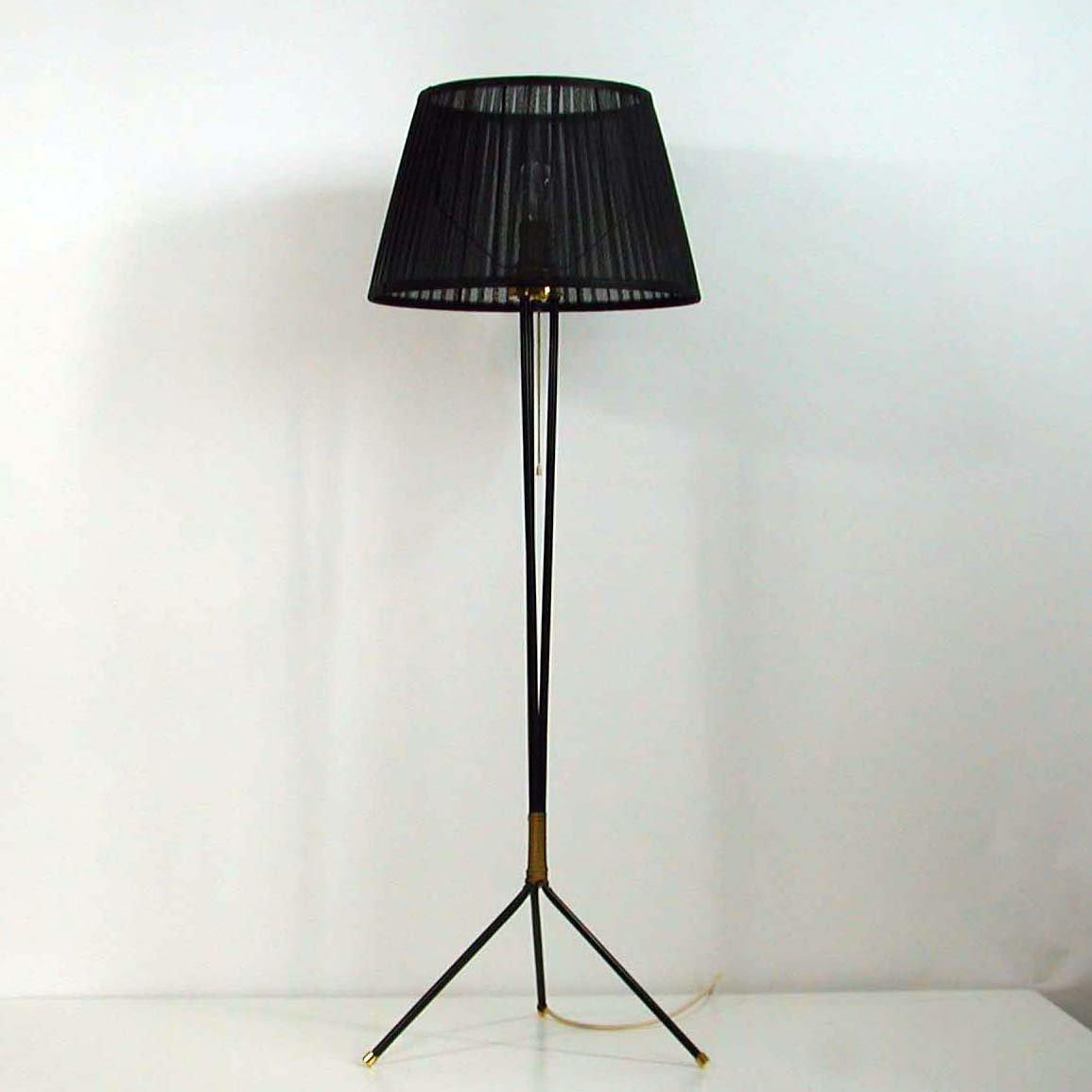Schwarze Dreifuß Stehlampe, 1950er