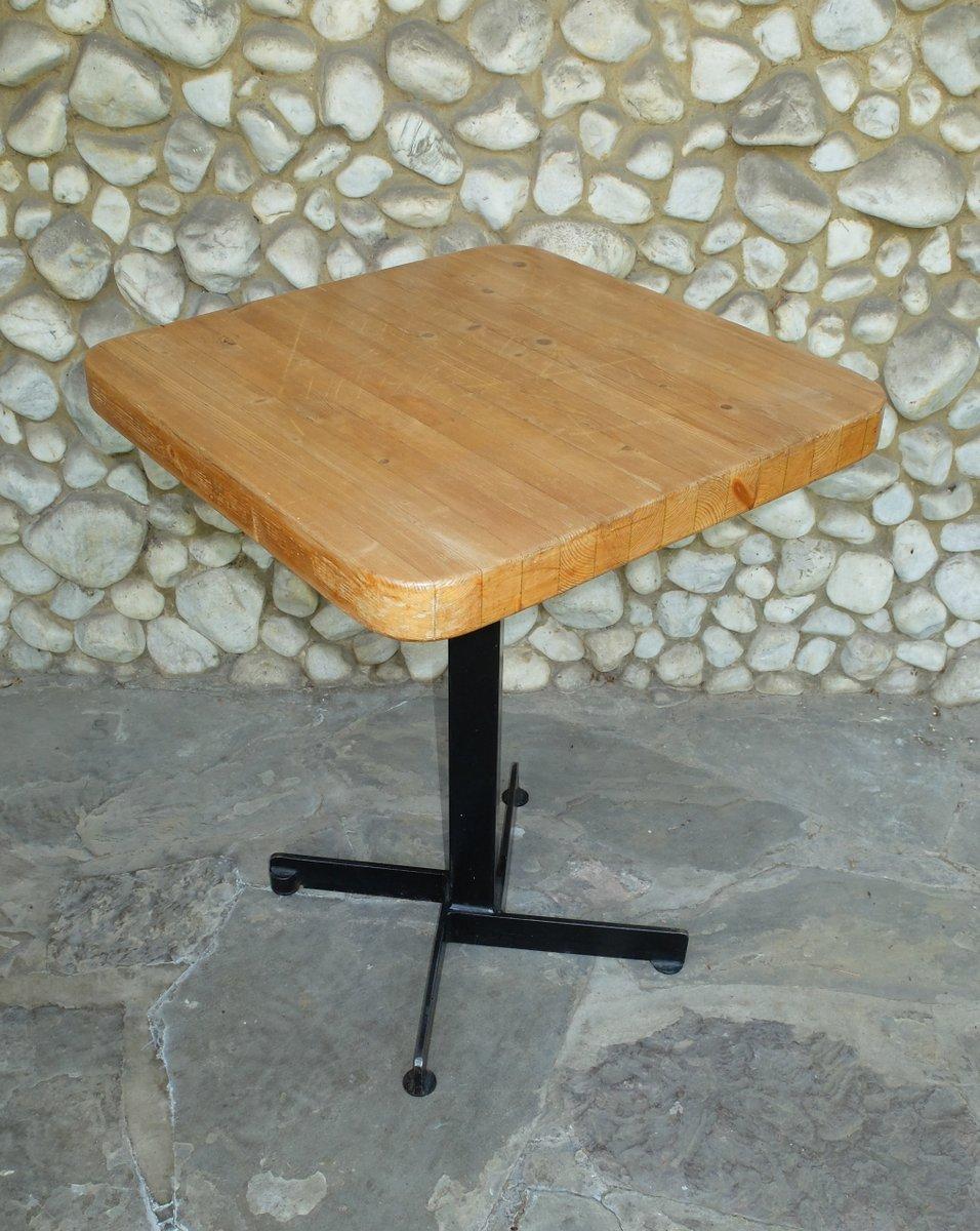 quadratischer tisch von ski resort les arcs f r charlotte perriand bei pamono kaufen. Black Bedroom Furniture Sets. Home Design Ideas