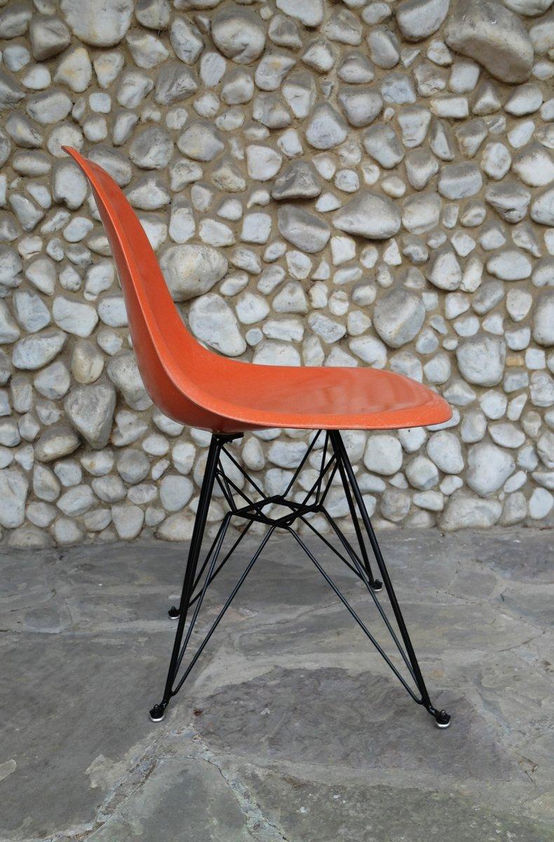 Sedia Con Base Eiffel Arancione Di Charles Ray Eames Per