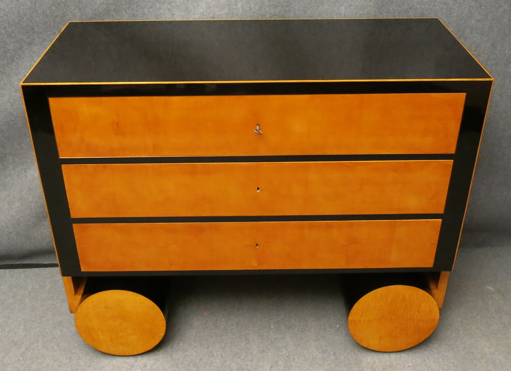 art deco kommode aus ahornholz ebonisiertem holz bei pamono kaufen. Black Bedroom Furniture Sets. Home Design Ideas