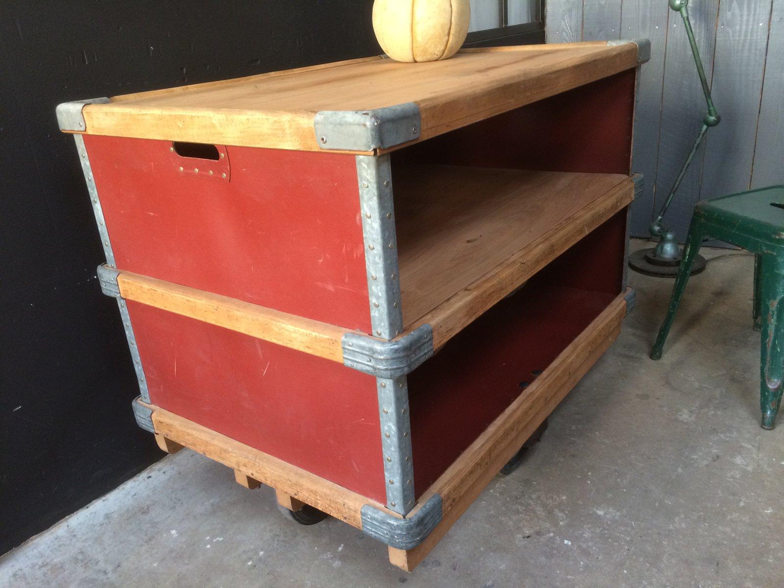 industrieller vintage beistelltisch auf rollen von suroy bei pamono kaufen. Black Bedroom Furniture Sets. Home Design Ideas