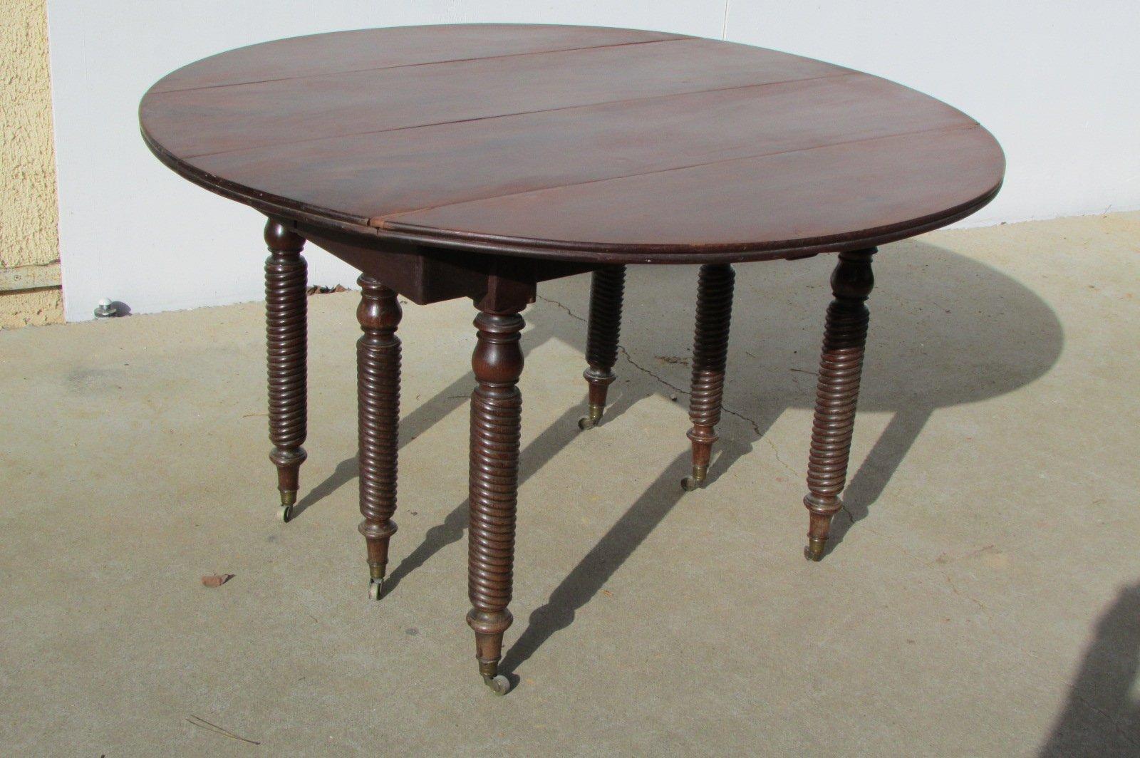 Tavolo Da Pranzo Grande Rotondo Allungabile In Mogano Fine Xix Secolo In Vendita Su Pamono
