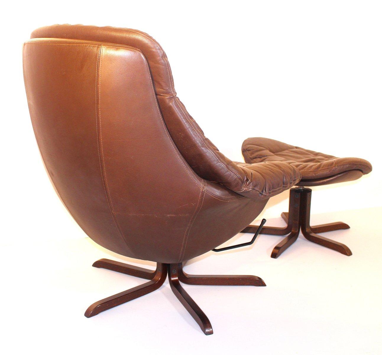 Leder Lounge Sessel Mit Fusshocker Von H W Klein 1970er Bei Pamono