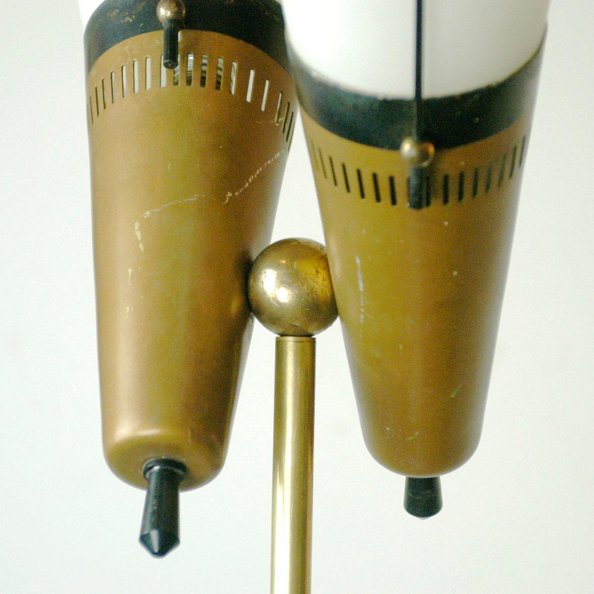 italienische stehlampe aus messing und milchglas 1950er bei pamono kaufen. Black Bedroom Furniture Sets. Home Design Ideas