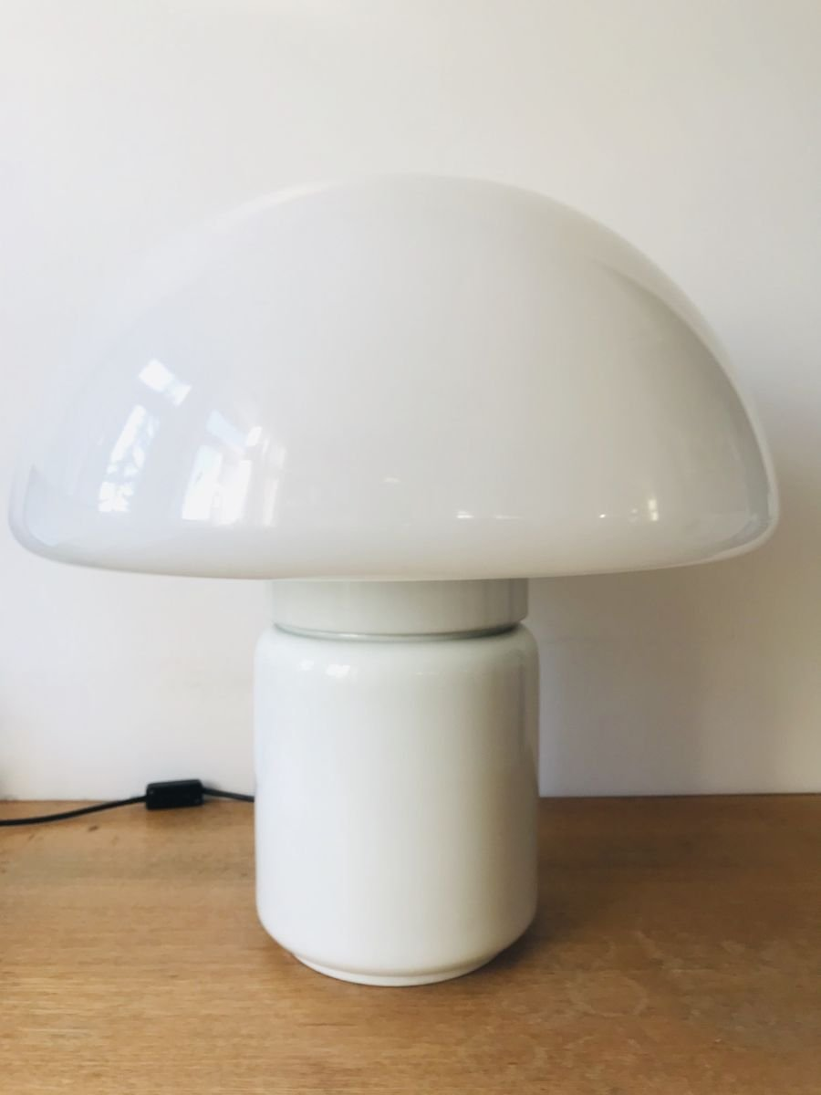 Lampada Da Tavolo 625 A Fungo Vintage Di Elio Martinelli Per Martinelli Luce 1968 In Vendita Su Pamono