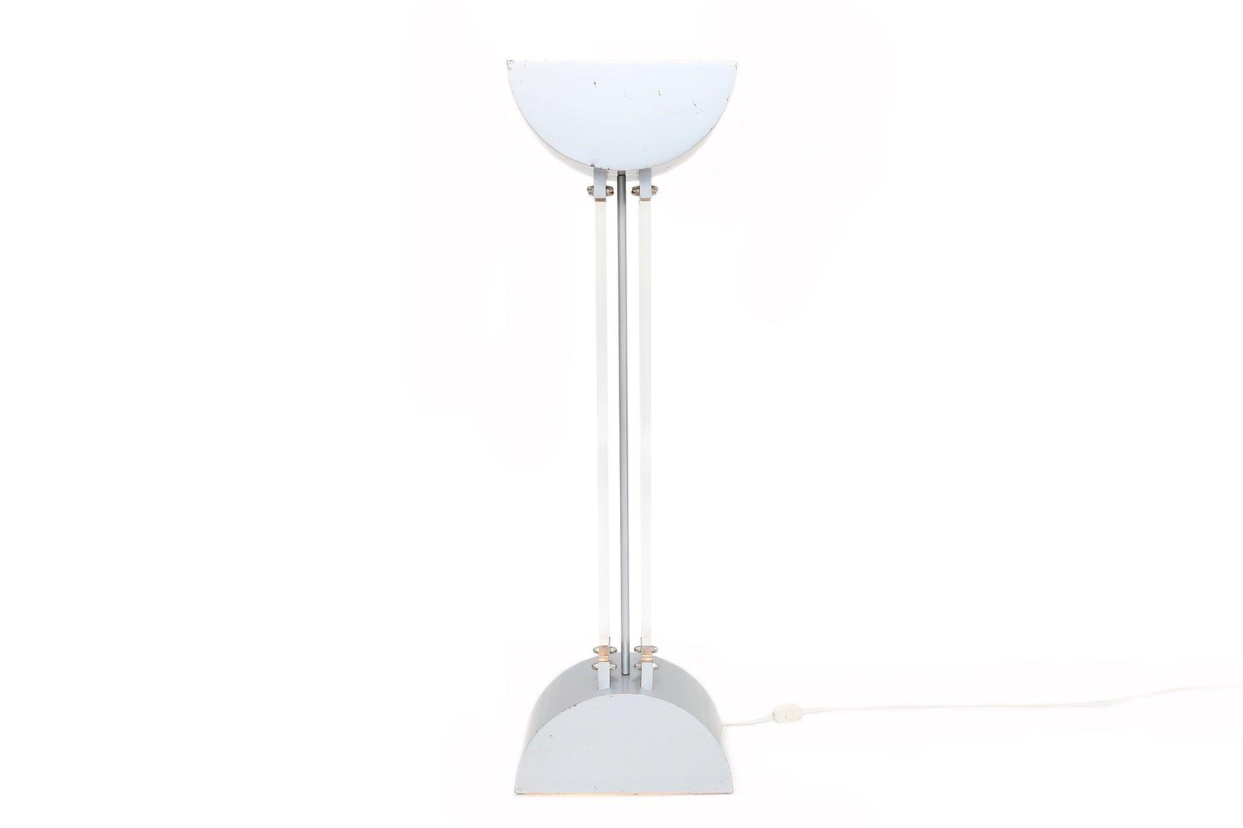 Stehlampe aus Plexiglas