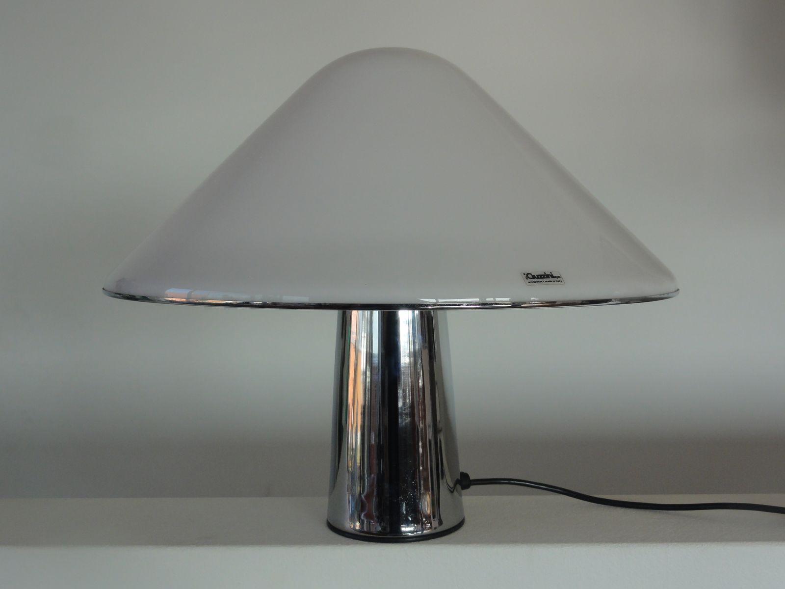 Lampada a fungo in plexiglas di iGuzzini, anni \'70 in vendita su Pamono