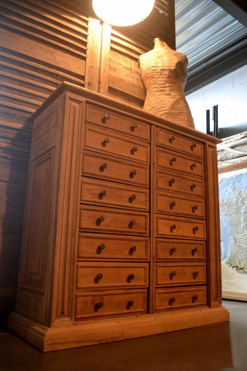 grande commode en ch ne avec dessus en marbre france en vente sur pamono. Black Bedroom Furniture Sets. Home Design Ideas