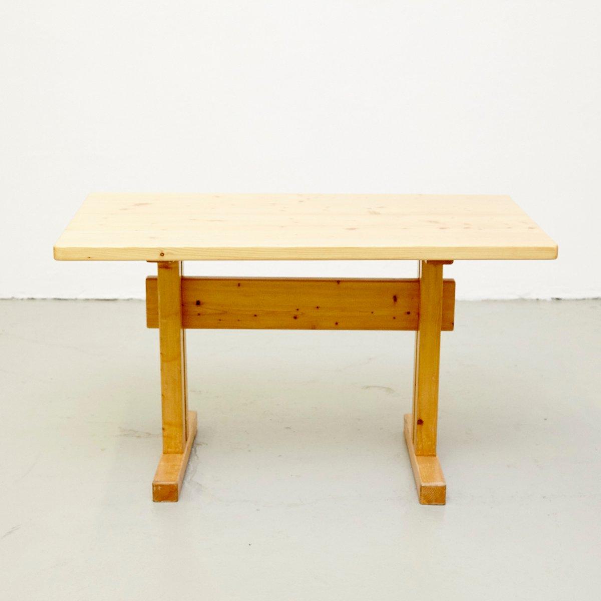 Tisch aus Kiefernholz von Charlotte Perriand für Les Arcs