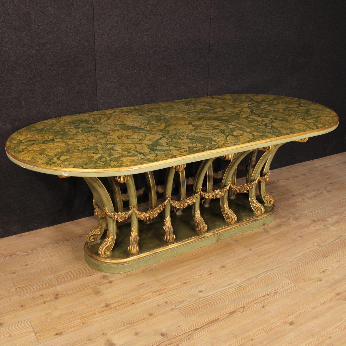 italienischer lackierter vergoldeter tisch aus holz bei. Black Bedroom Furniture Sets. Home Design Ideas