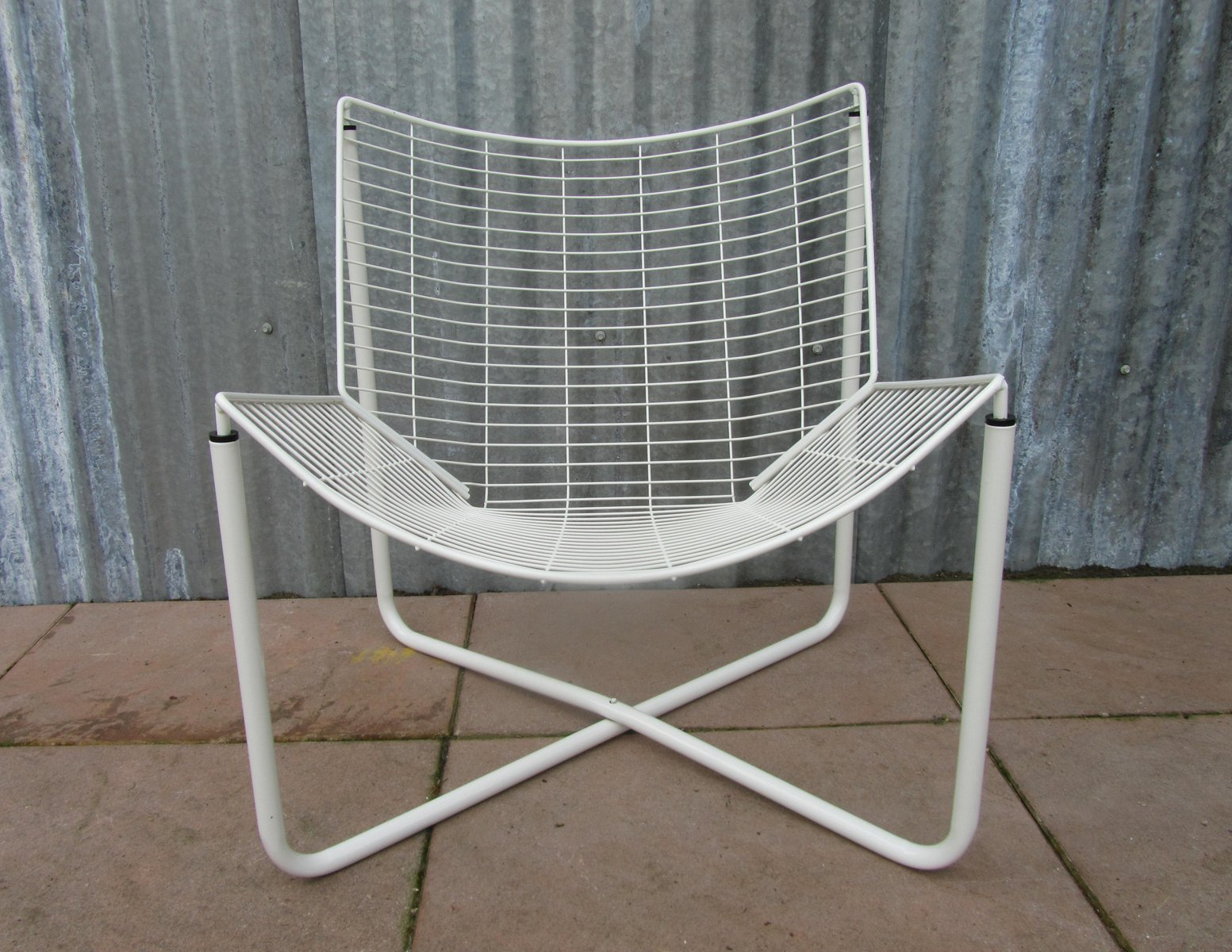 Superbe White Jarpen Wire Chair By Niels Gammelgaard For Ikea, 1983
