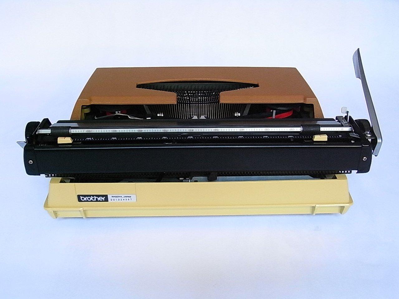 machine ecrire mod le deluxe 662 tr de brother 1970s en vente sur pamono. Black Bedroom Furniture Sets. Home Design Ideas