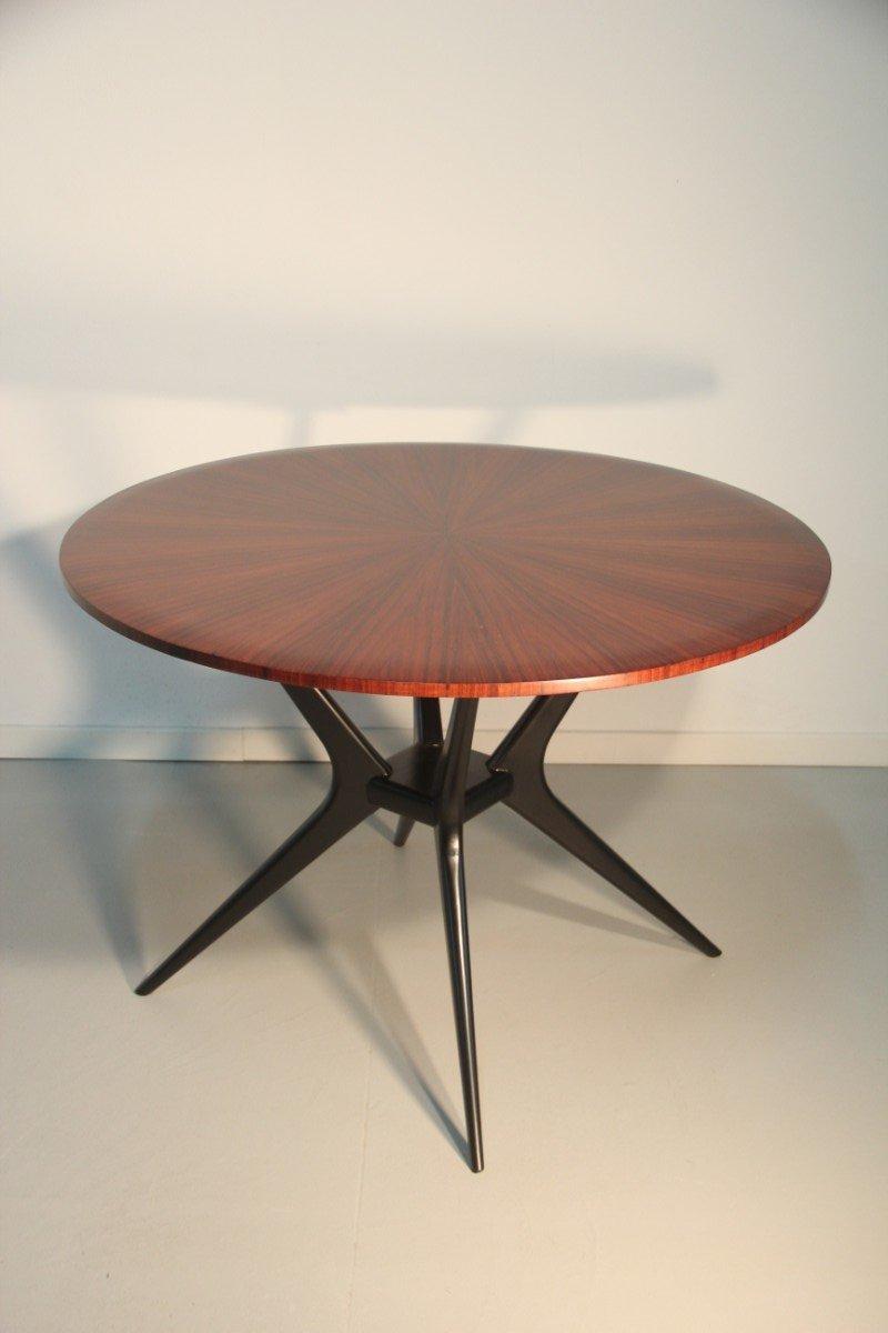 Mesa de comedor minimalista de palisandro, años 50