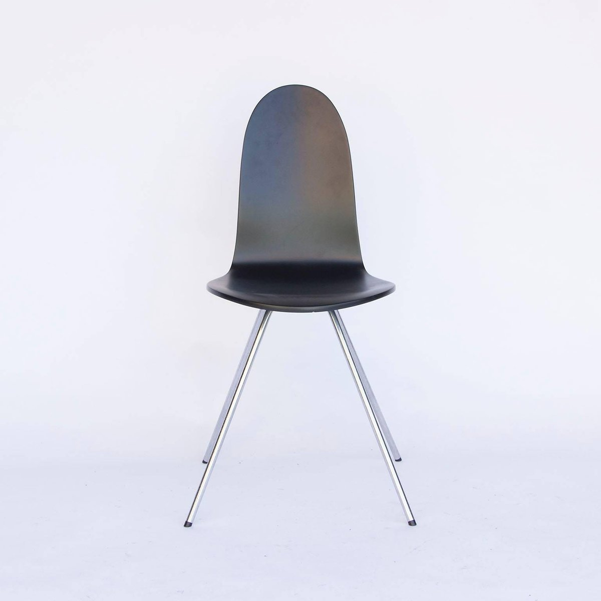 schwarz lackierter vintage tongue stuhl von arne jacobsen. Black Bedroom Furniture Sets. Home Design Ideas