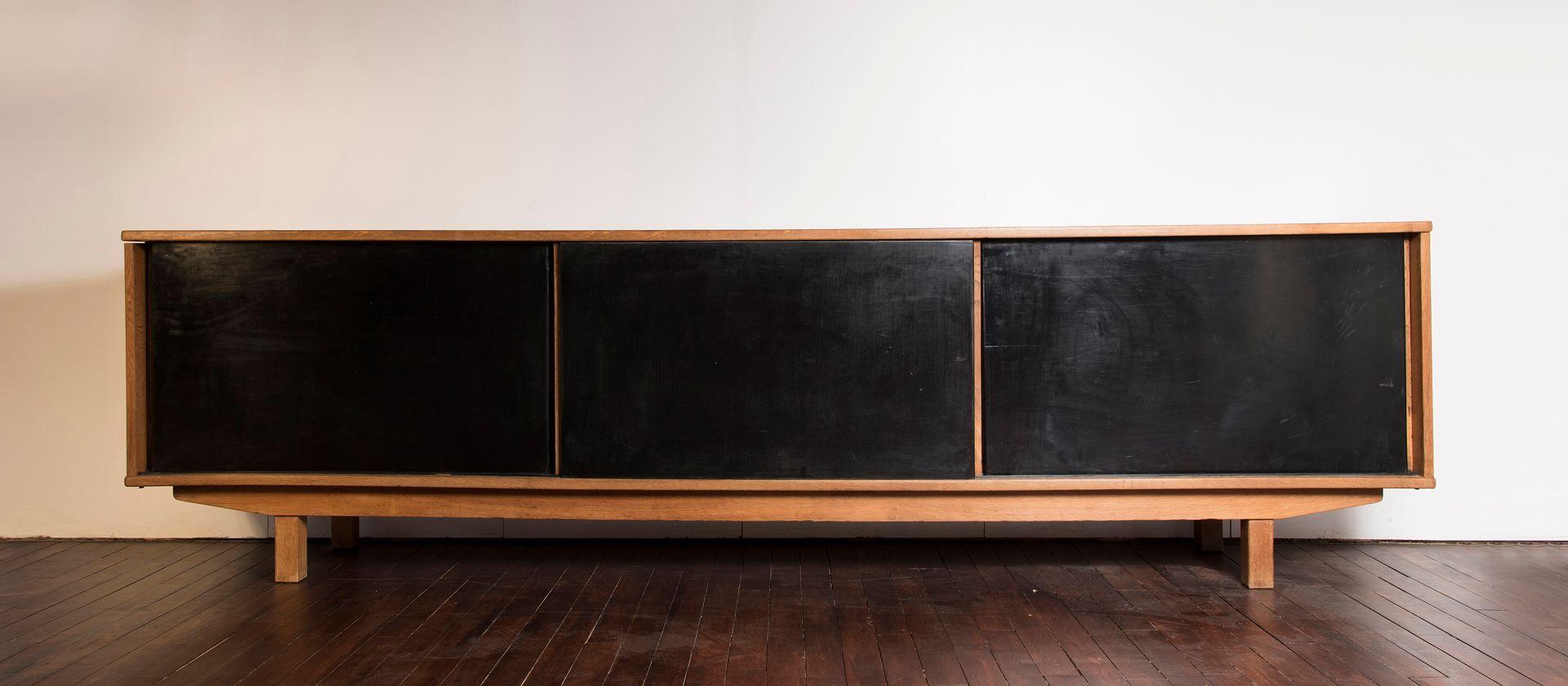 Französisches Sideboard aus Eichen Furnier von Jean Domps, 1955