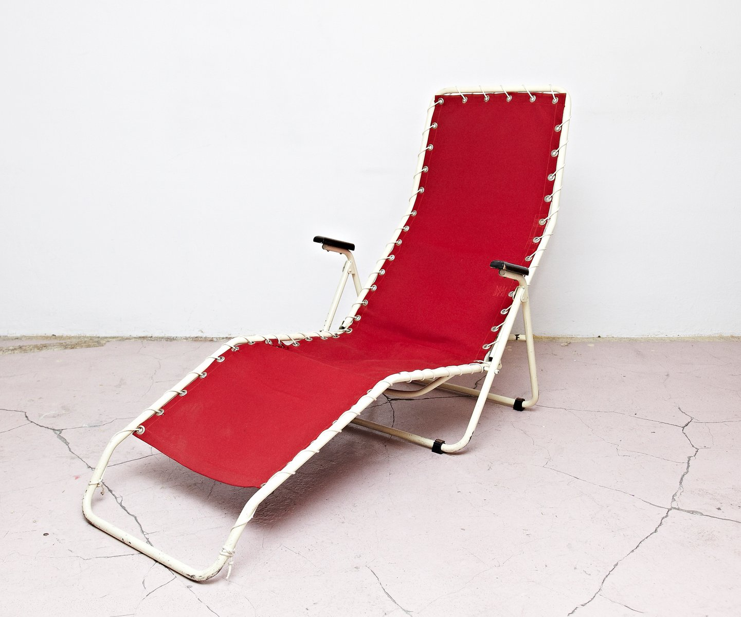chaise longue rouge de everest 1950s en vente sur pamono. Black Bedroom Furniture Sets. Home Design Ideas