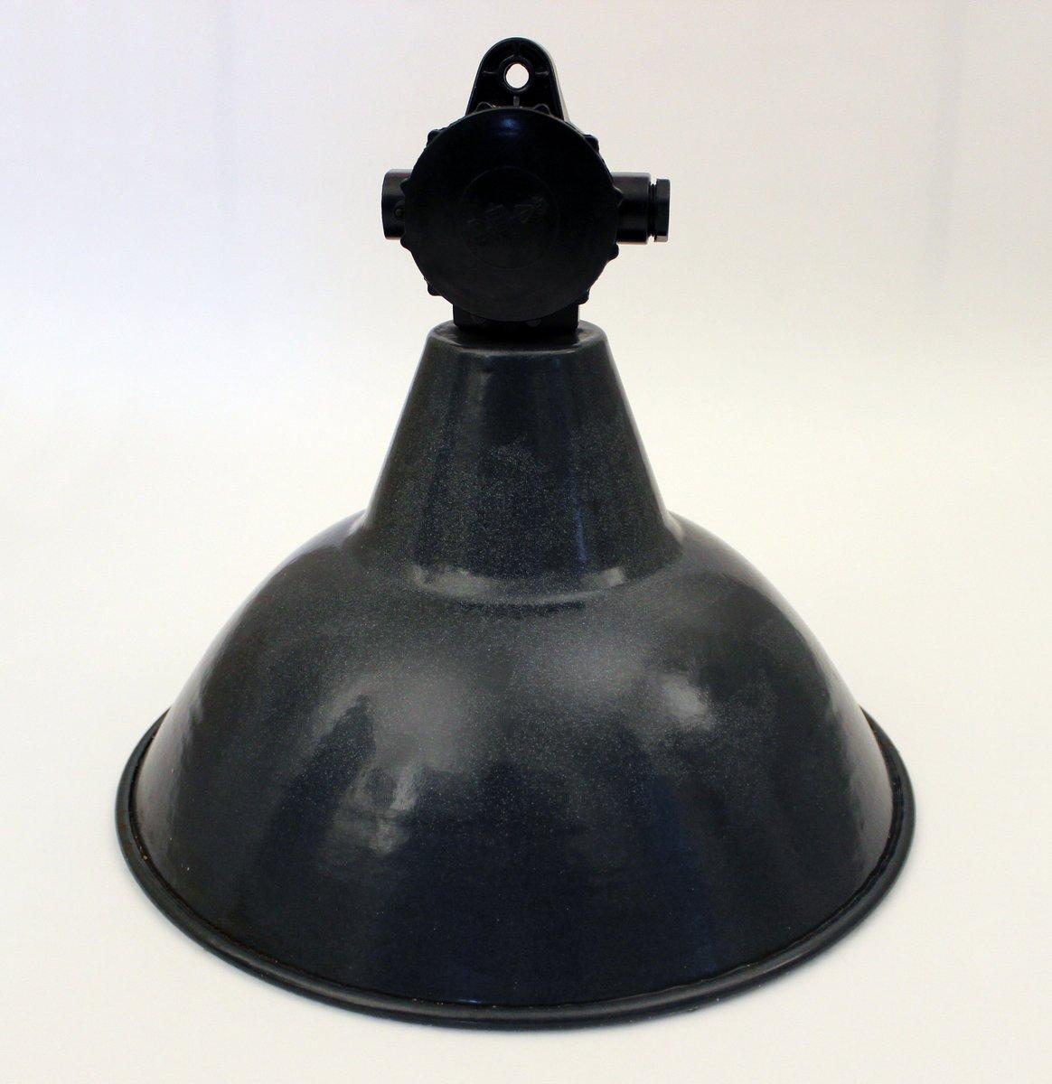 Deutsche industrielle Vintage Fabriklampe von VEB Deutsche Werkstätten...