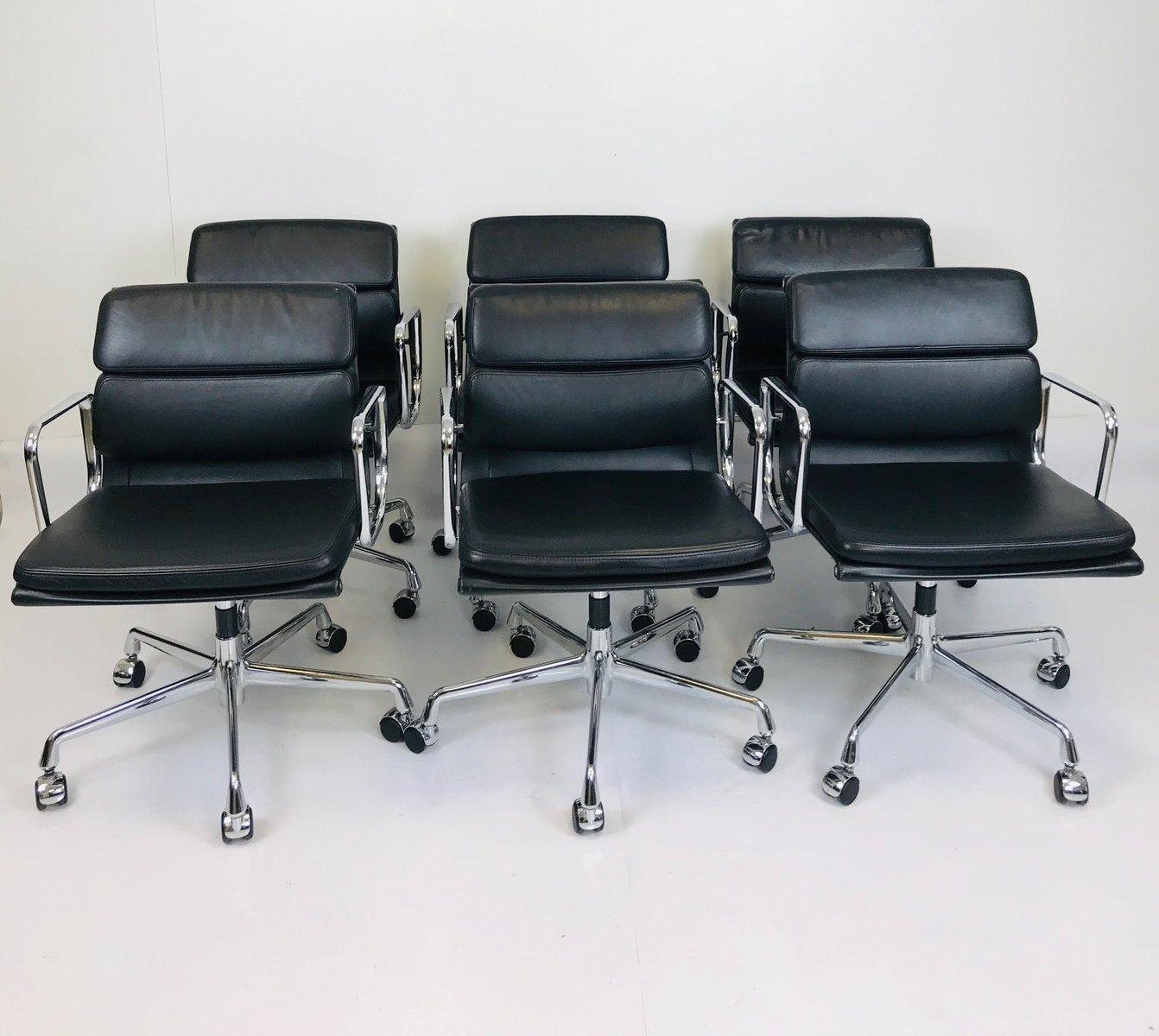 ea217 stuhl von charles ray eames f r vitra 1980er bei. Black Bedroom Furniture Sets. Home Design Ideas