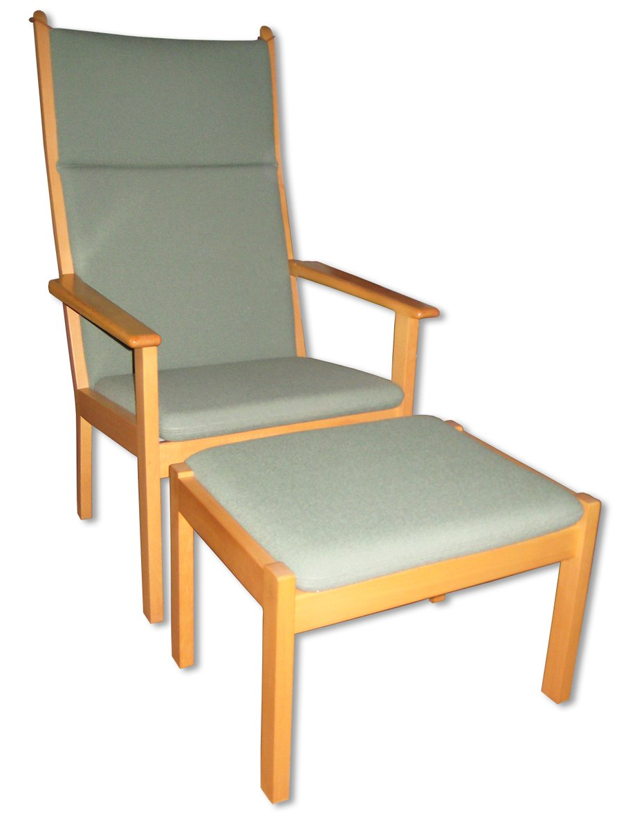 Vintage Easy Chair with Footstool by Hans J. Wegner - Vintage Easy Chair With Footstool By Hans J. Wegner For Sale At Pamono