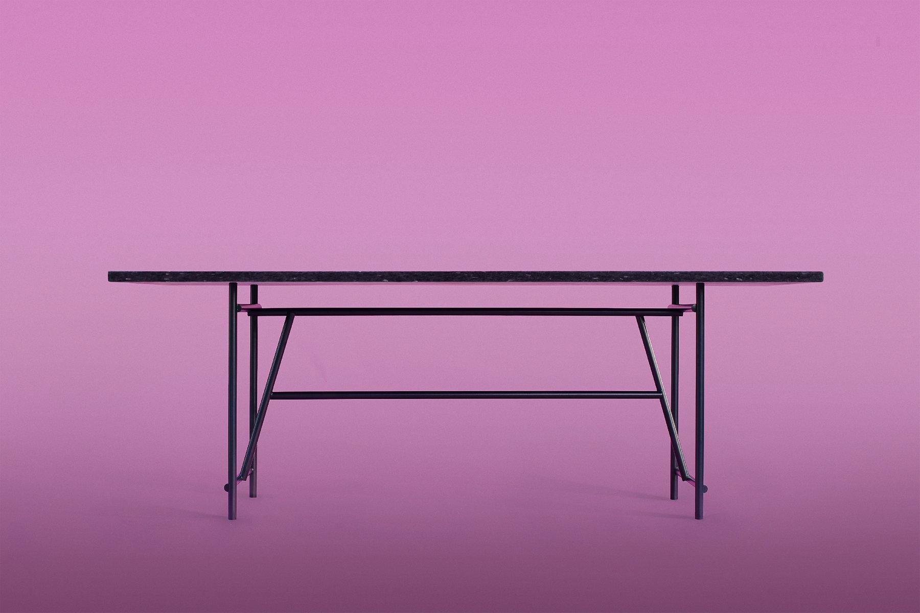 DU Tisch von Örn Duvald