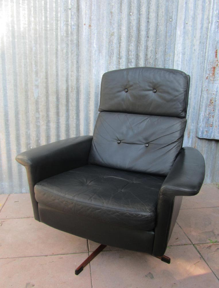 black leather oversized chair black leather lounge swivel chair from goldsiegel 1960s 11220 | black leather lounge swivel chair from goldsiegel 1960s 12