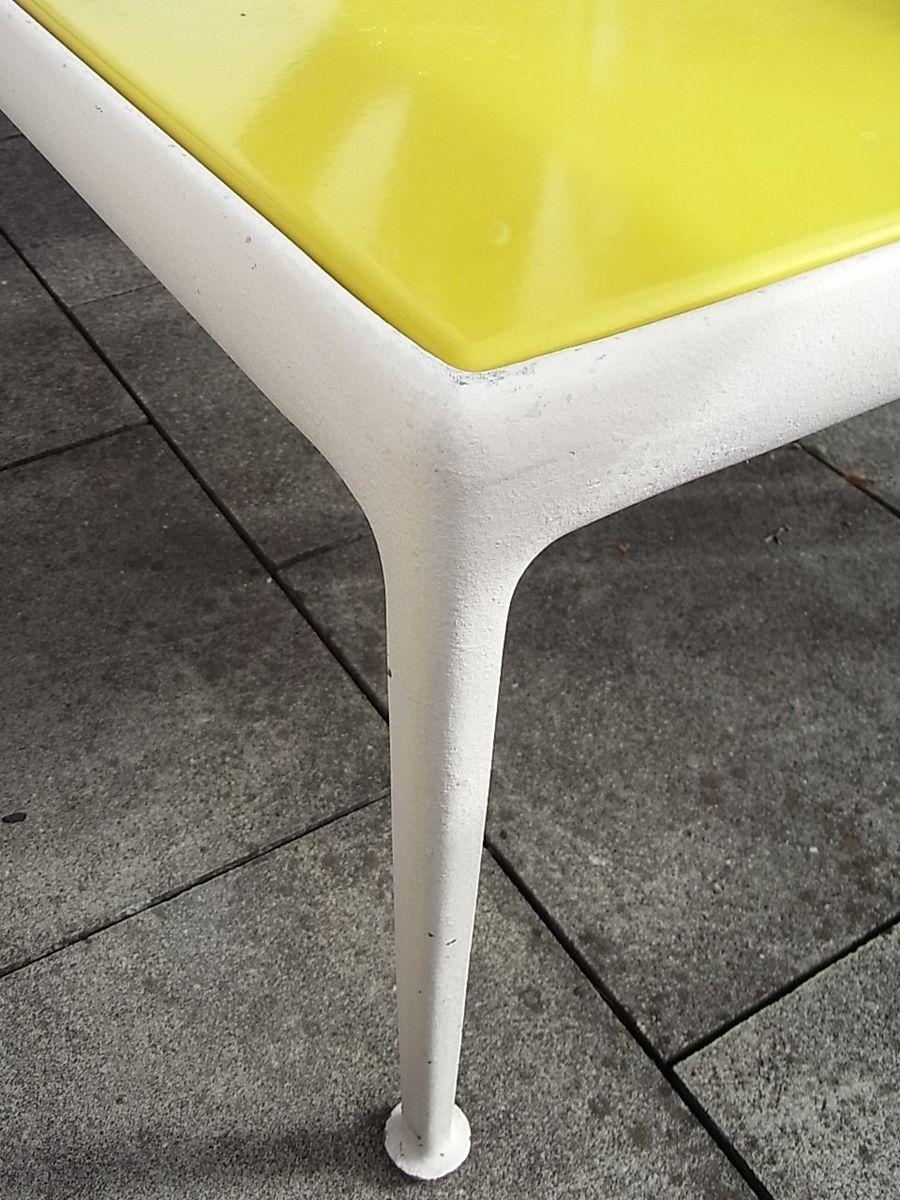 Mesa de centro amarilla de richard schultz 1966 en venta for Couchtisch yellow