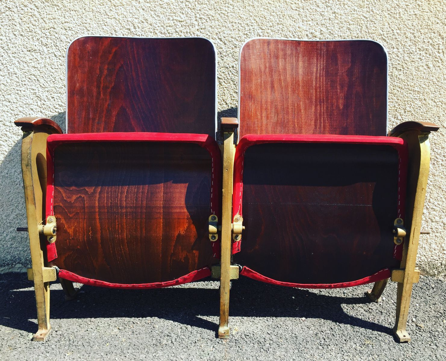 Sedia da teatro pieghevole di fourel lyon francia anni for Sedia design anni 40