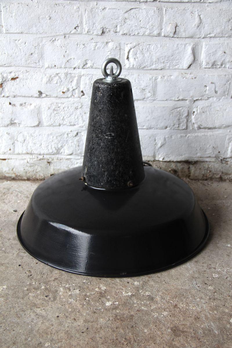 lampe suspension industrielle vintage mouchet e france en vente sur pamono. Black Bedroom Furniture Sets. Home Design Ideas