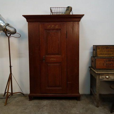 Antiker Kleiderschrank von 1835