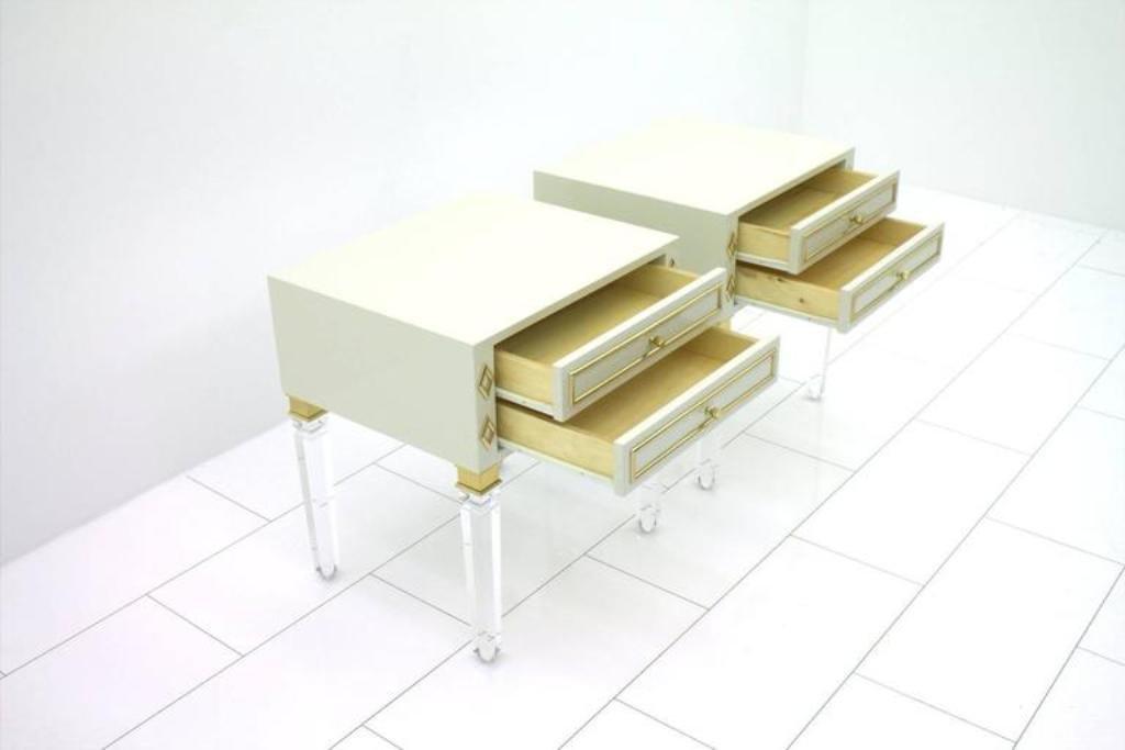 plexiglas holz messing nachttische 1970er 2er set bei pamono kaufen. Black Bedroom Furniture Sets. Home Design Ideas