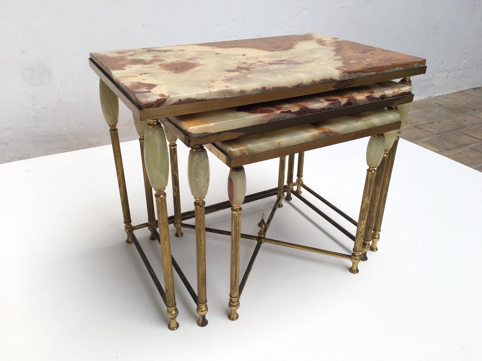 tables gigognes n o classiques vintage en laiton et marbre italie 1960s en vente sur pamono. Black Bedroom Furniture Sets. Home Design Ideas