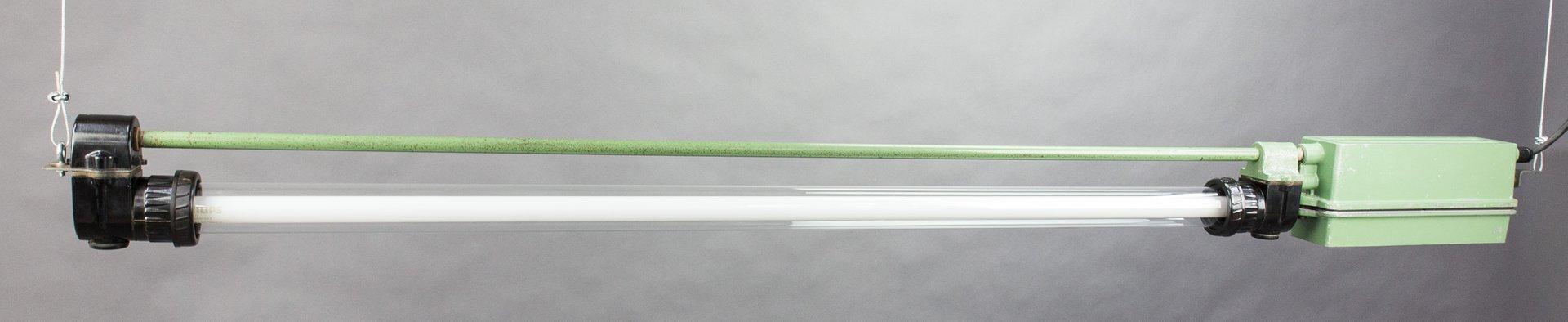 Ostdeutsche vintage Leuchtstoffröhre in Grün