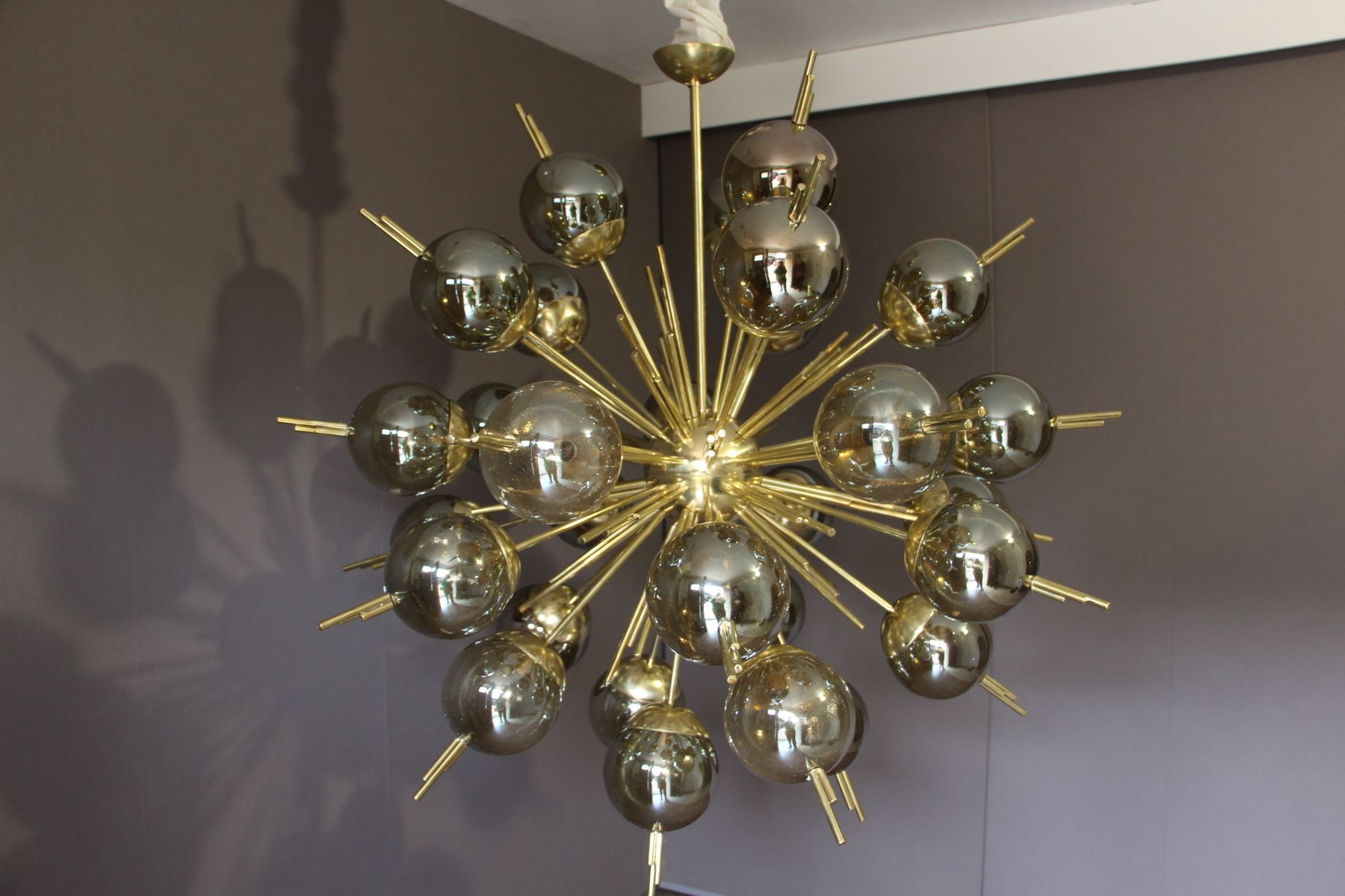 Sputnik Kronleuchter aus Messing mit Goldenen Murano Glaskugeln, 1970e...