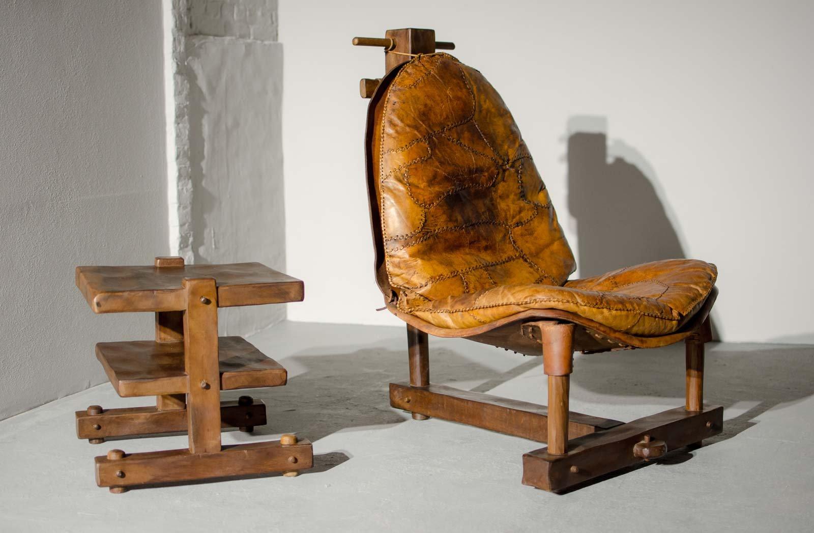 Brasilianischer Patchwork Leder Sessel mit Tisch, 1960er