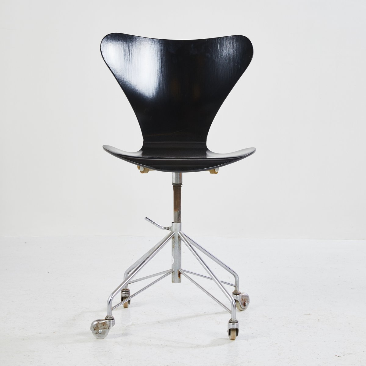 3117 Office Chair By Arne Jacobsen 1980s