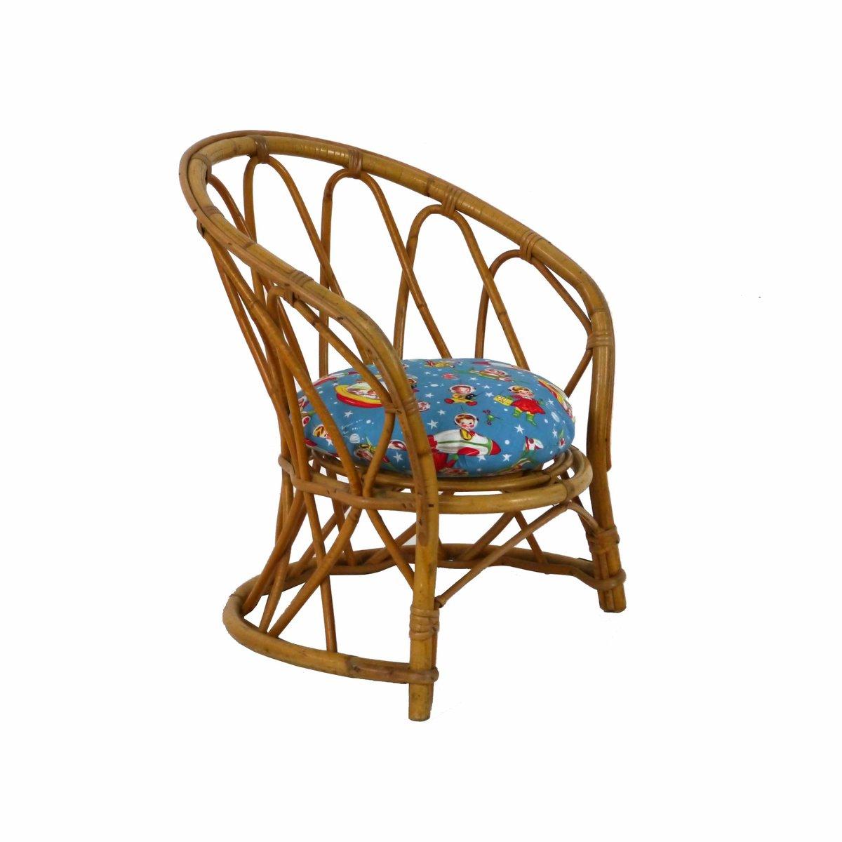 chaise pour enfant vintage en rotin 1960s en vente sur pamono. Black Bedroom Furniture Sets. Home Design Ideas