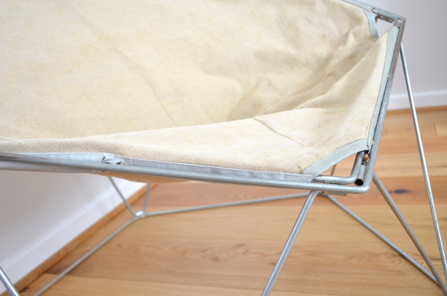 wei er penta sessel von jean paul barry kim moltzer f r. Black Bedroom Furniture Sets. Home Design Ideas