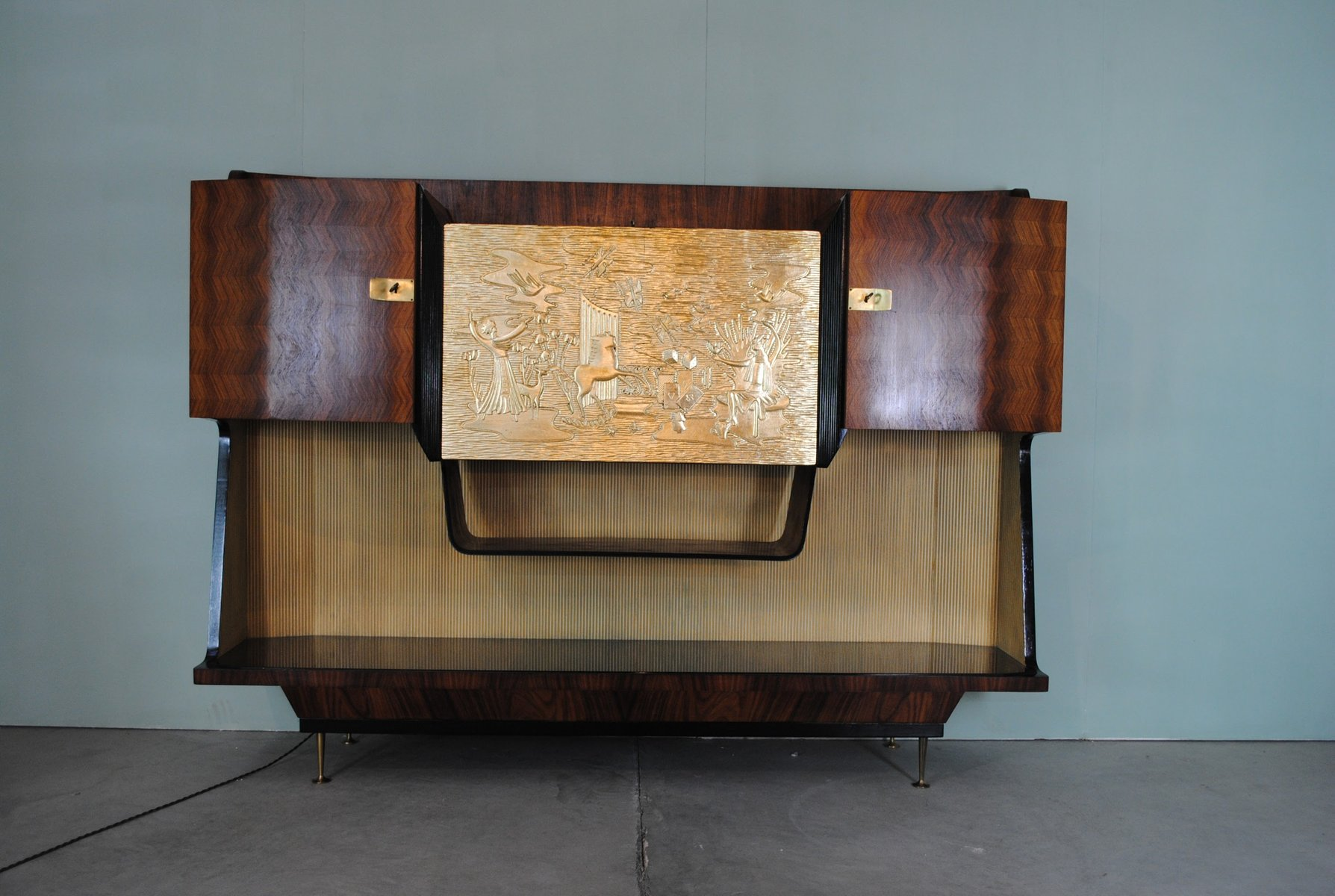 meuble bar vintage par osvaldo borsani italie en vente sur pamono. Black Bedroom Furniture Sets. Home Design Ideas