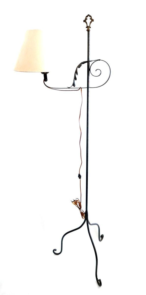 vintage schmiedeeisen stehlampe mit 3 beinen 1960er bei pamono kaufen. Black Bedroom Furniture Sets. Home Design Ideas