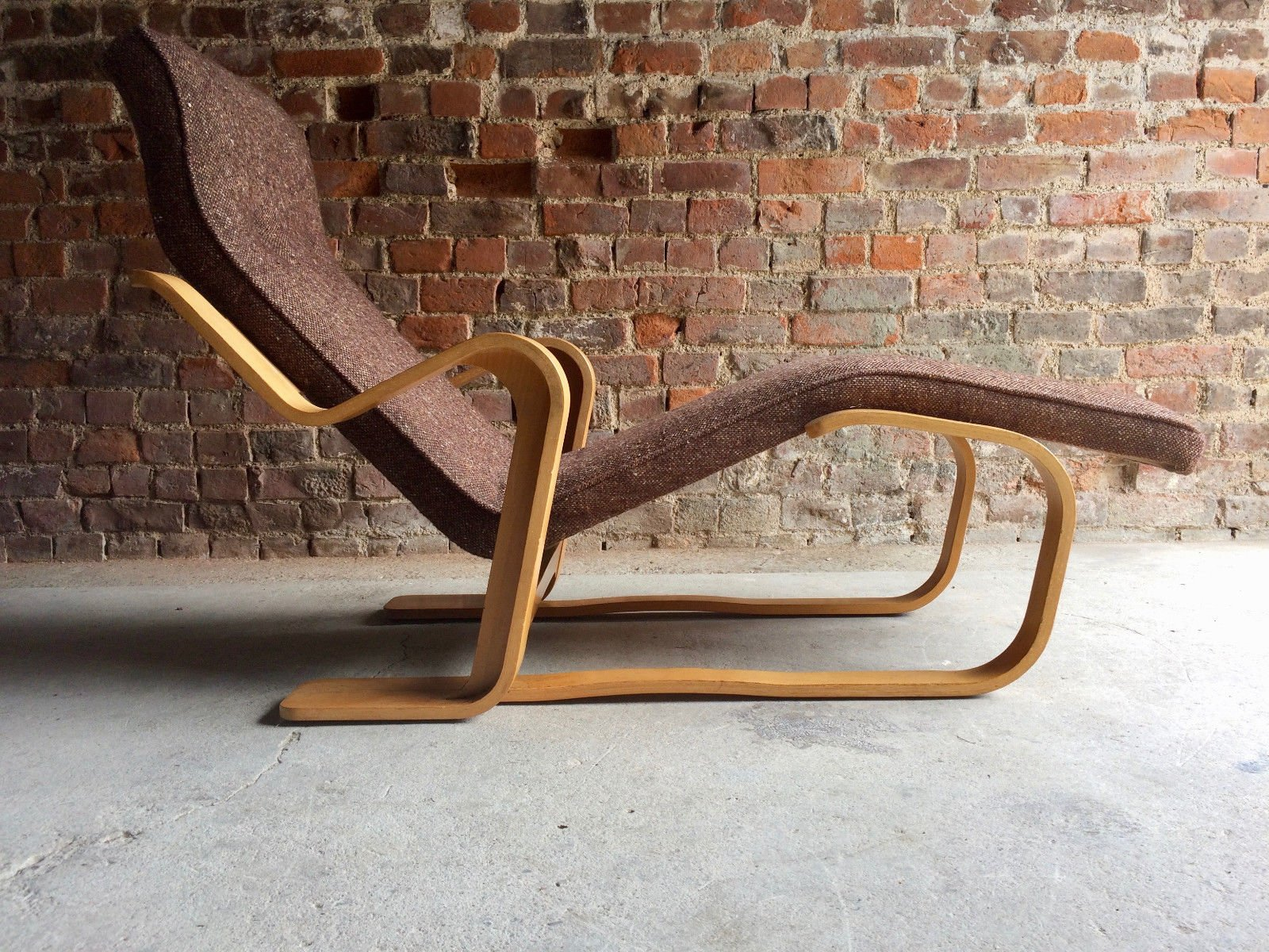 Bauhaus Chaise Lounge By Marcel Breuer For Knoll 1970s
