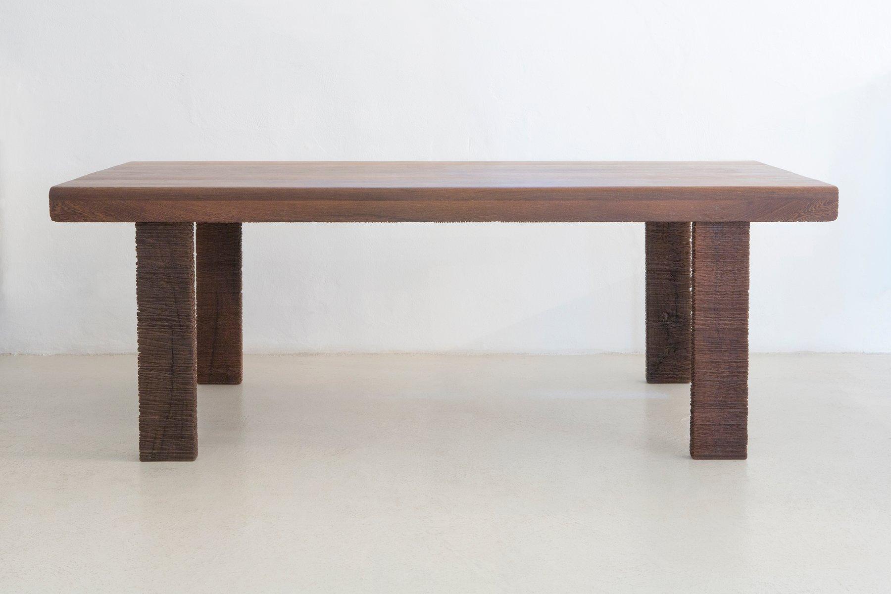 Sesana Tisch von Mabeo Studio