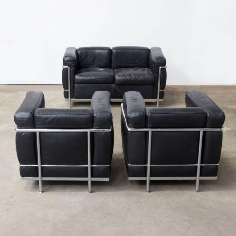 lc2 sessel von le corbusier f r cassina 1920er 2er set. Black Bedroom Furniture Sets. Home Design Ideas