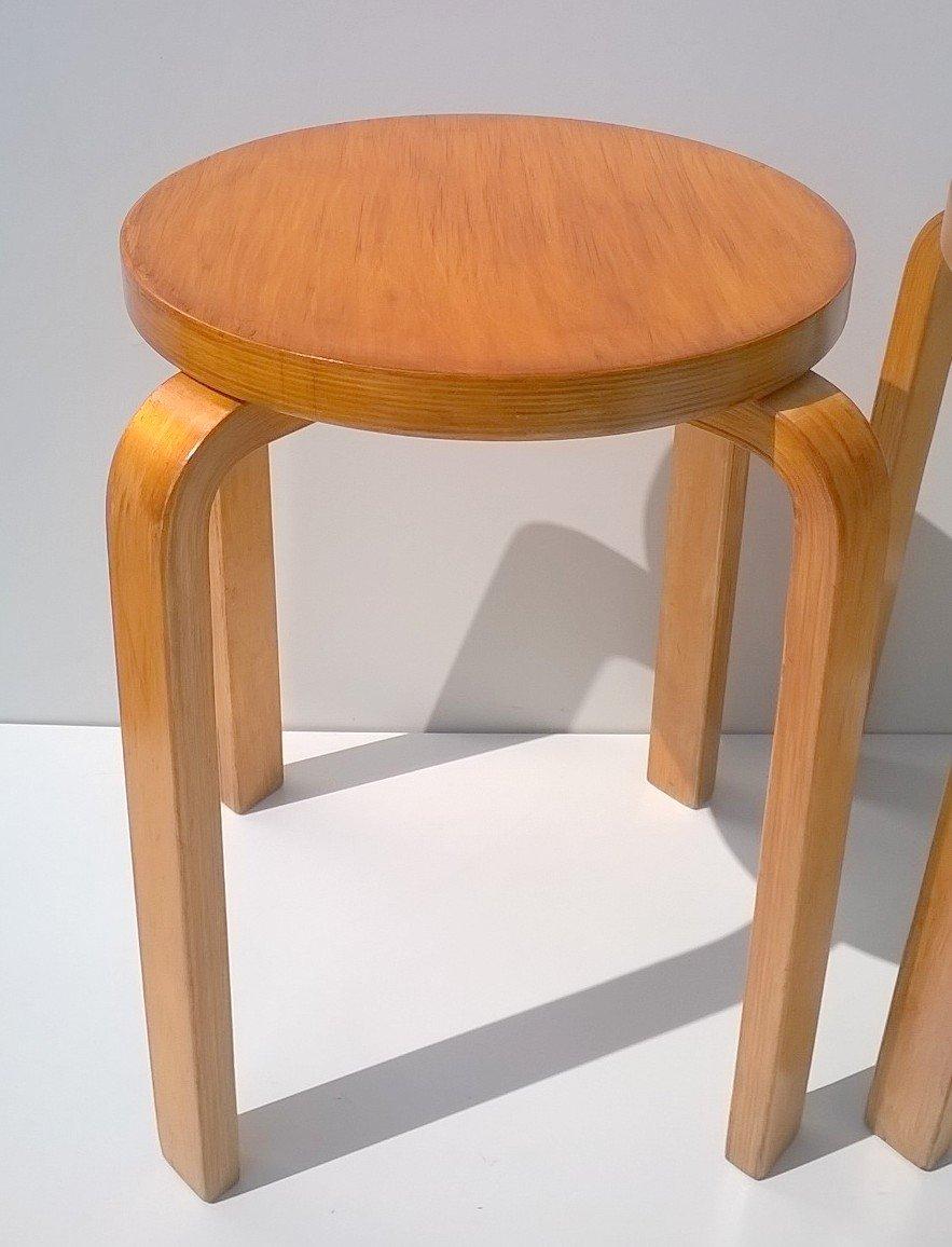 hocker von alvar aalto f r artek 1940 2er set bei pamono kaufen. Black Bedroom Furniture Sets. Home Design Ideas