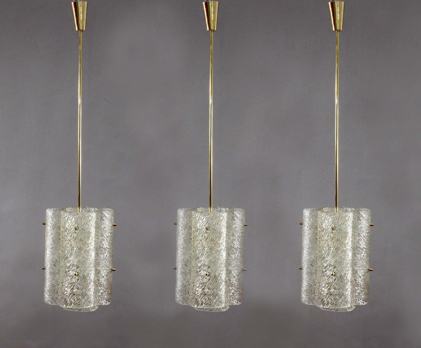 Großer Messing Kronleuchter mit texturiertem Glas von J.T. Kalmar für ...