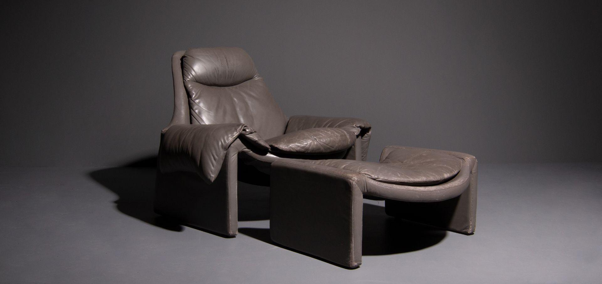 Italienische P 60 Sessel & Fußhocker von Vittorio Introini für Saporit...